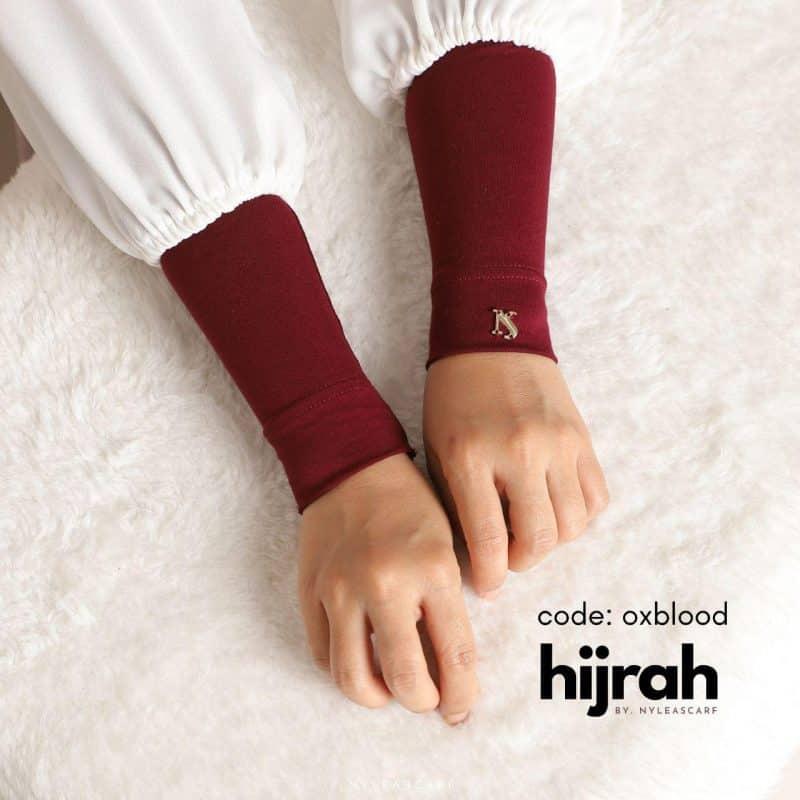 Hijrah Handsock In Oxblood
